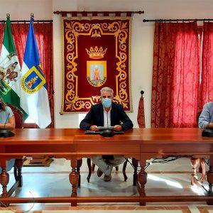 Ayuntamiento de Chipiona y AFANAS firman el convenio para el mantenimiento de la caldera de biomasa de la piscina terapéutica