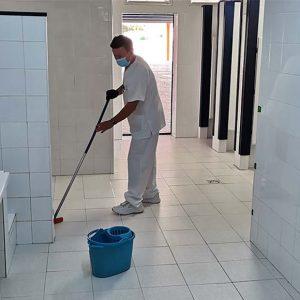 Laura Román afirma que la primera evaluación de la limpieza en centros educativos de la era covid ha aprobado con nota