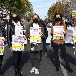 Hosteleros de Chipiona en la manifestación en Cádiz del sector en las que ha demandado ayudas para seguir adelante