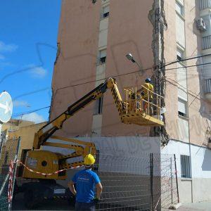 Comienza la rehabilitación de la estructura del edificio de viviendas  de Camacho  Baños 18 y 20