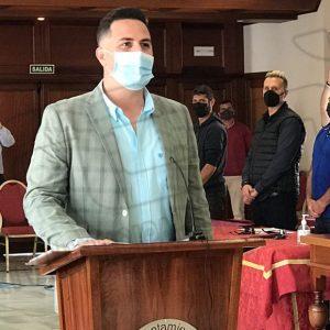 Francisco Javier Query Téllez toma posesión como nuevo concejal del Ayuntamiento de Chipiona