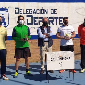 Antonio Lamoca se impone en un Torneo de Tenis de Primavera de Chipiona que ha contado con 27 participantes