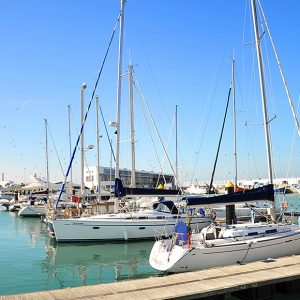 El puerto deportivo de Chipiona, veintiséis años con la Bandera Azul de los Mares Limpios de Europa