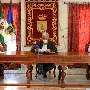 Firmado el convenio entre el Ayuntamiento de Chipiona y Acitur para el desarrollo de acciones para la promoción del Centro Comercial Abierto