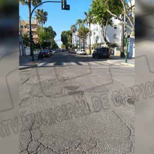 Pepe Mellado informa que hoy ha sido aprobado el proyecto de reasfaltado en siete calles de Chipiona