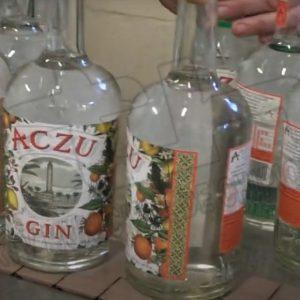 La imagen del Faro de Chipiona recorre el mundo con la nueva ginebra  Aczu Gin de Destilerías Galafate