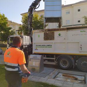 Tano Guzmán anima a seguir la línea ascendente del reciclaje de residuos en Chipiona