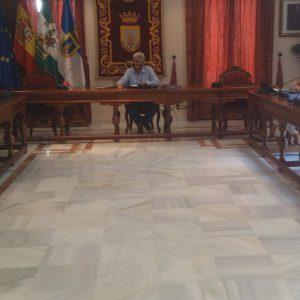 Diputación expone al Ayuntamiento de Chipiona las facultades del SAEL y sus ventajas en la asistencia técnica, jurídica, económica y financiera