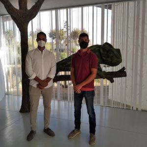 Mario Fernández visita el Centro de Interpretación 'El Camaleón', en Chipiona, tras su recuperación